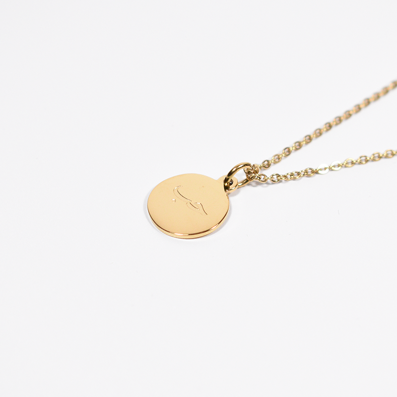 """Hub"" Love Gold Round Necklace + Gift Box"