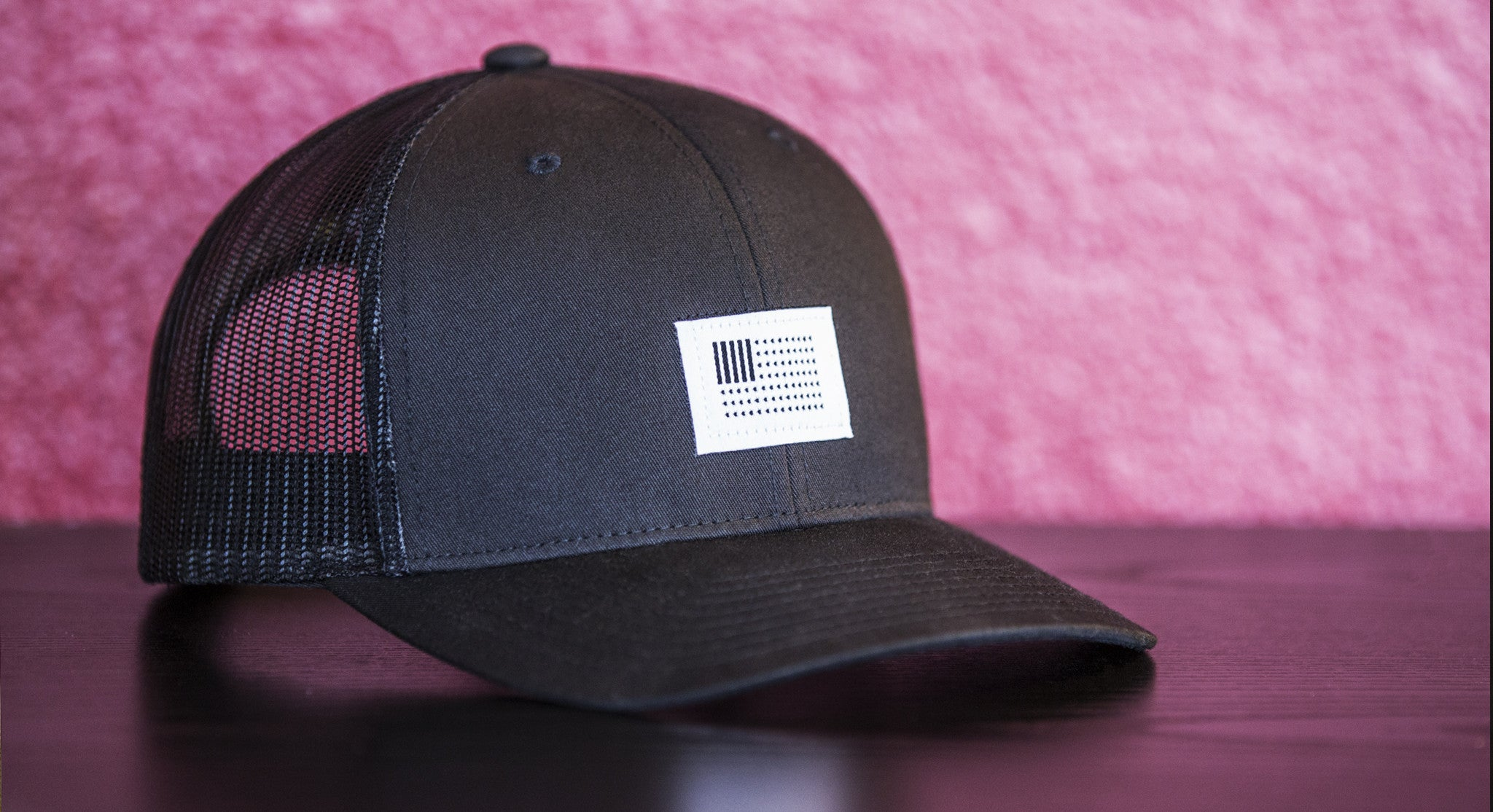 BARS & STARS CREW TRUCKER // BLACK | SNAPBACK