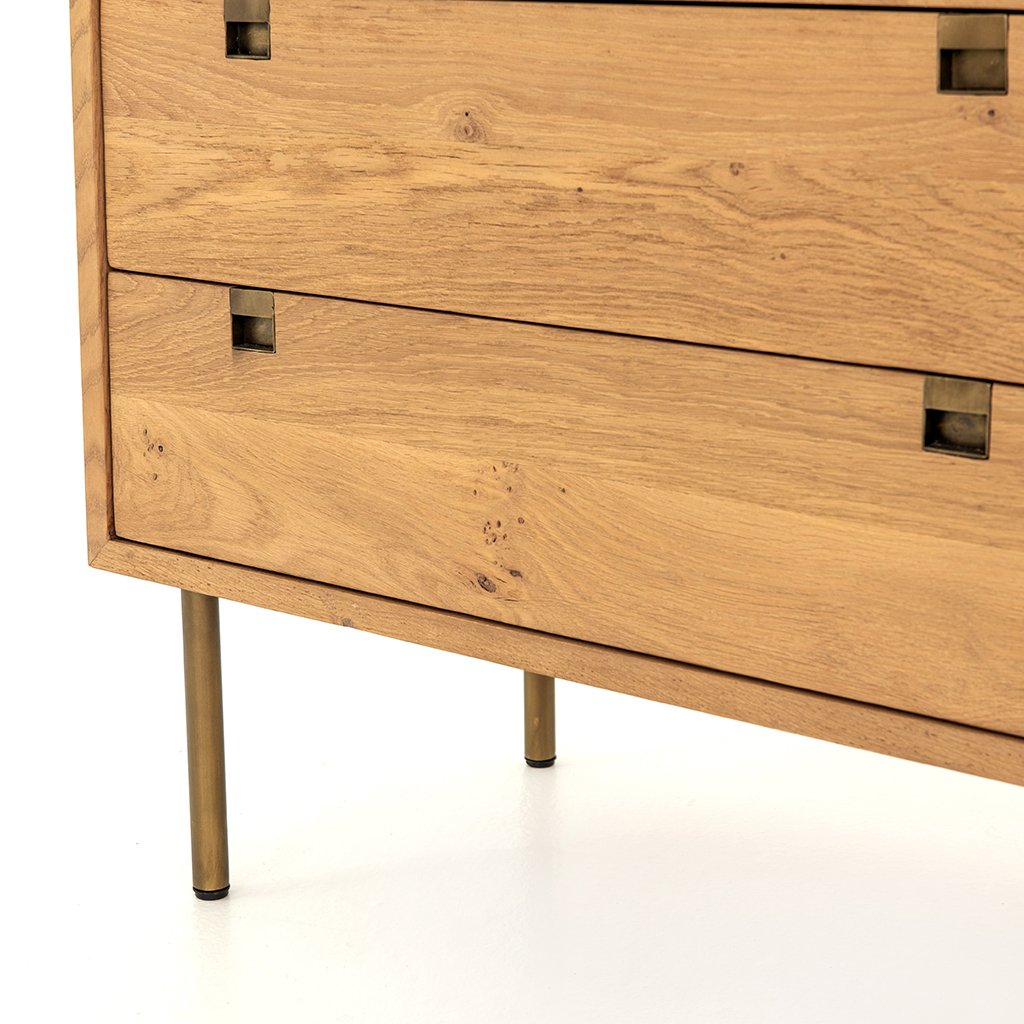 Carlisle 6 Drawer Oak Dresser Bottom Detail