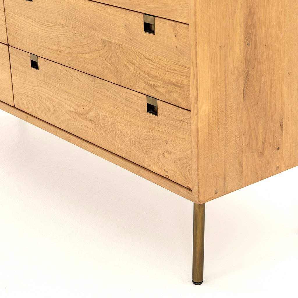 Carlisle 6 Drawer Oak Dresser Corner Detail