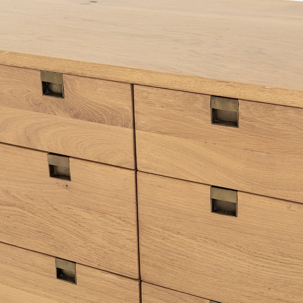 Carlisle 6 Drawer Oak Dresser Drawers Detail