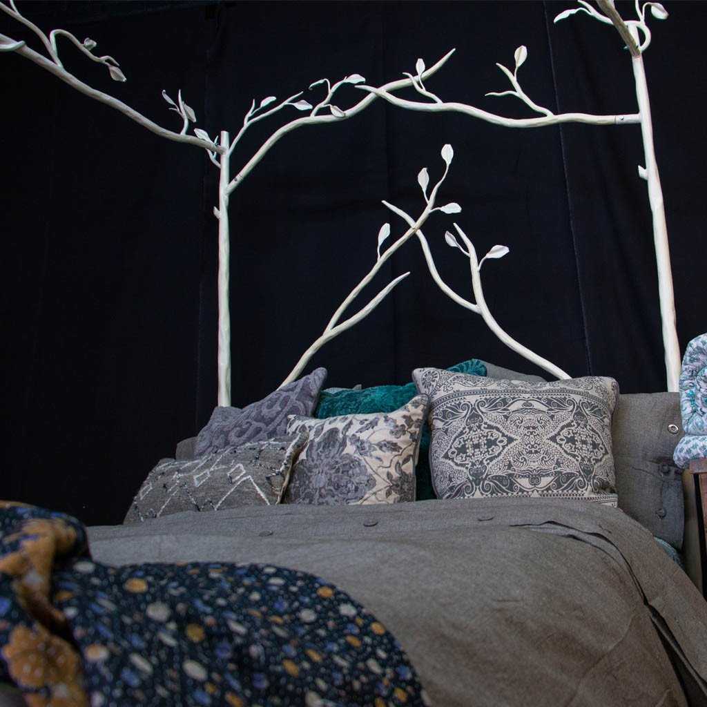 Twin size forest canopy bed white