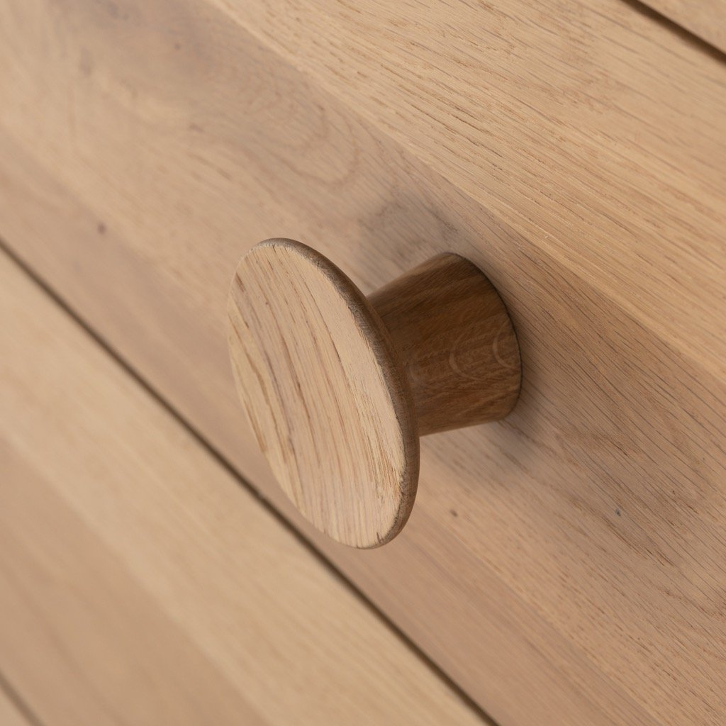Mallory 6 Drawer Dresser - Light Oak knob
