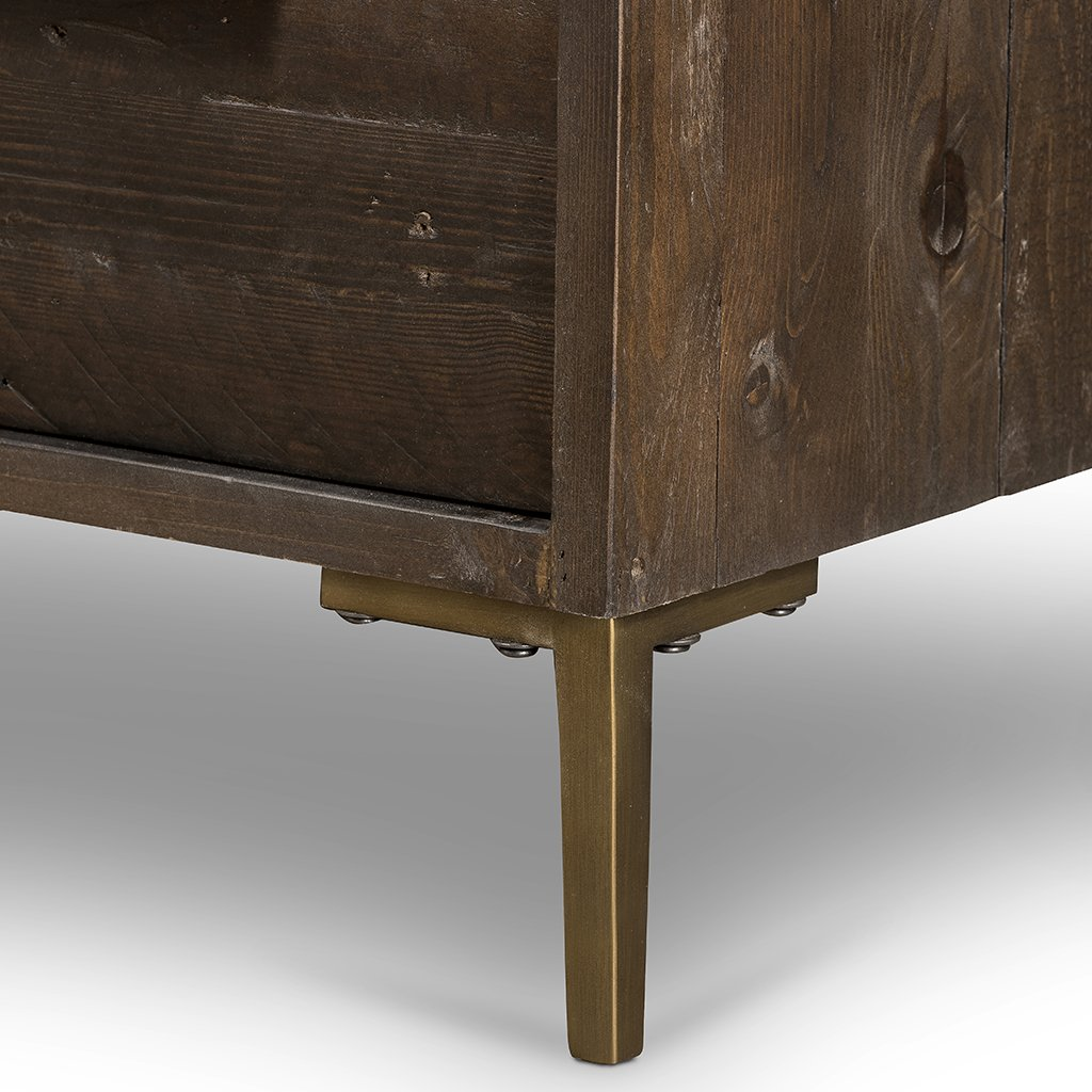 Wyeth 3 Drawer Small Dresser VWYT-003B leg detail