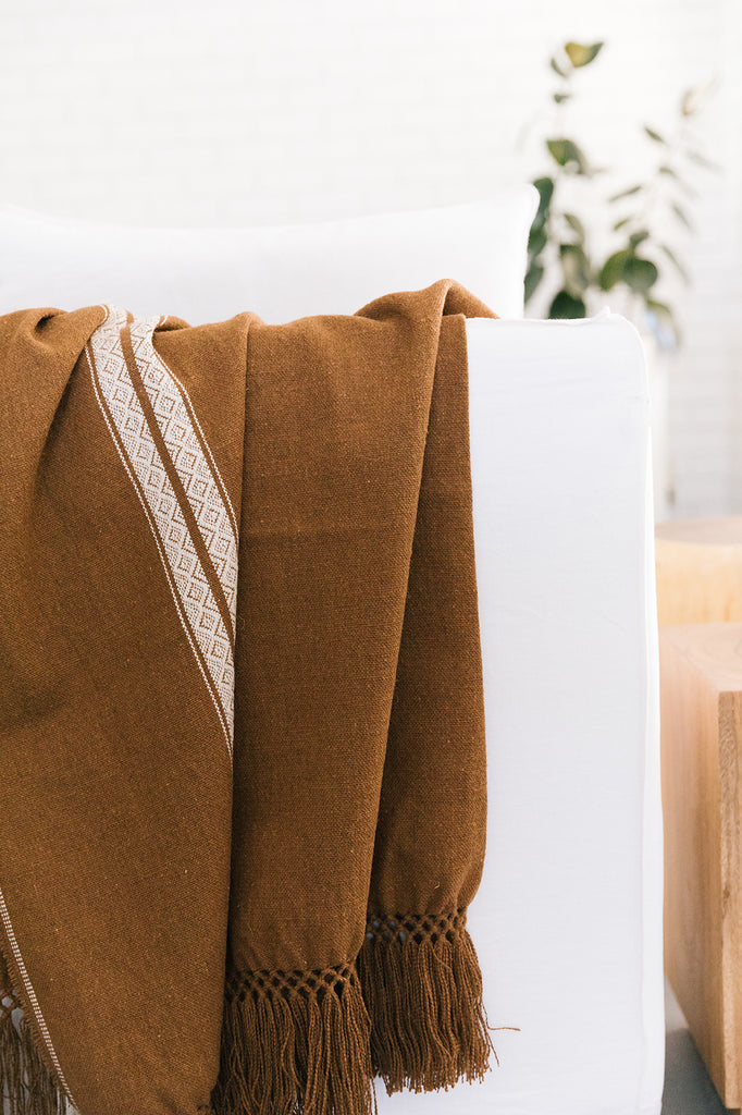Andes Throw | White on Tobacco