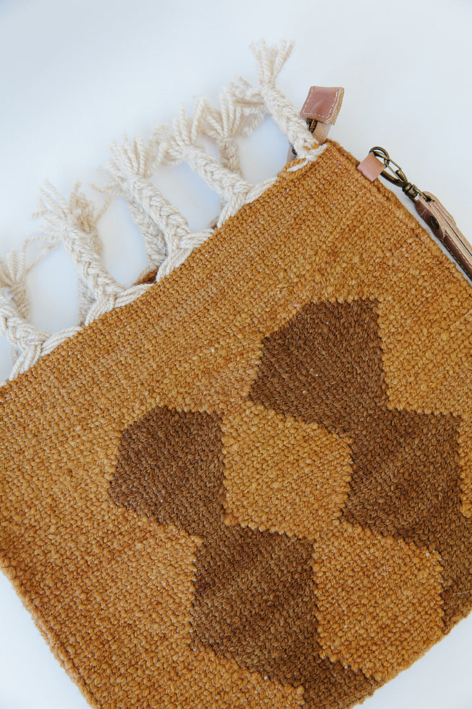 Litoral Woven Clutch #0120