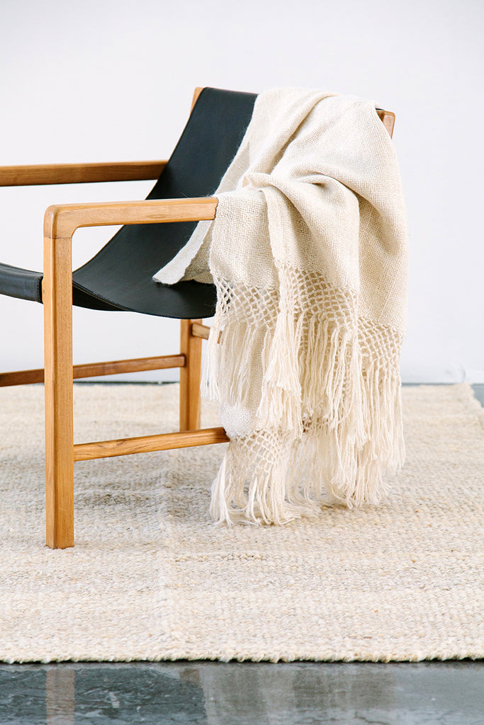 Puna llama throw / Natural White