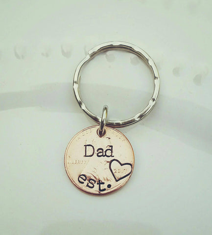 Dad Penny Keychain - New Daddy Gift - Est Custom Year - Daddy to Be gift - Pregnancy Announcement Gift - Father's Day Gift - Dad Birthday