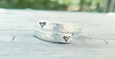 Custom heart hammered wrap ring - Hypoallergenic - Custom Hand stamped ring - Mother's Ring - Engagement gift - Wife Birthday - Best friend