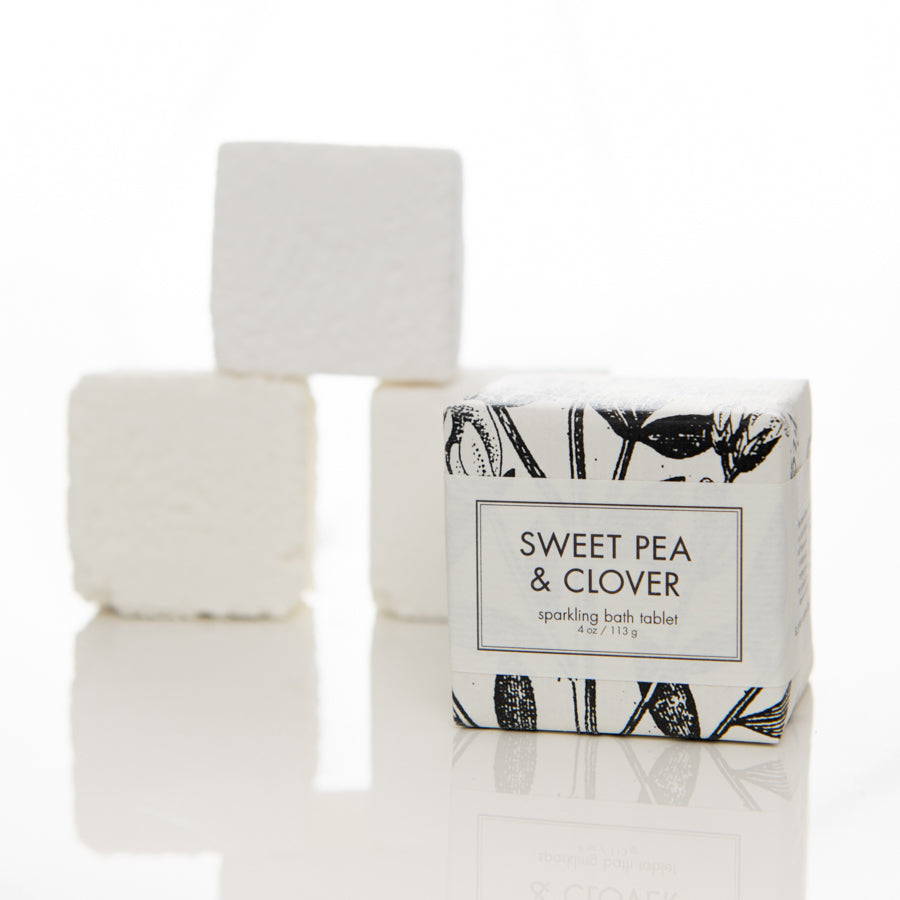 sweet pea & clover sparkling bath tablet