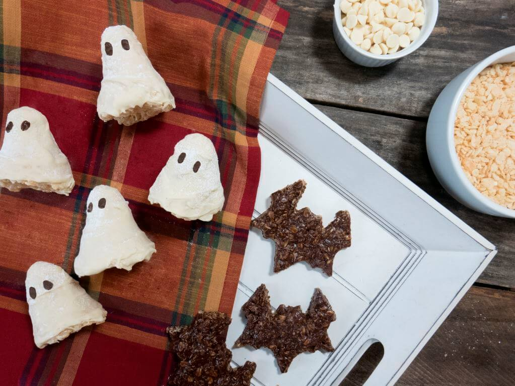 rice krispie ghosts and bats