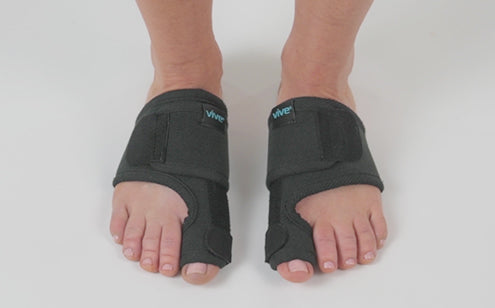 wearing bunion splint
