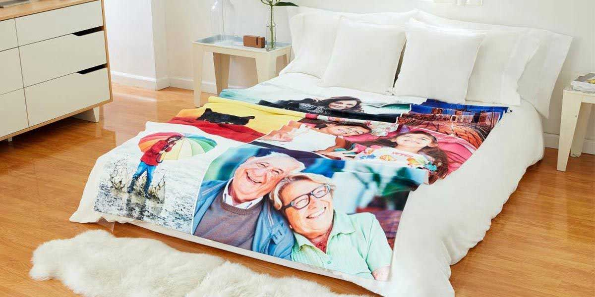 Photo of senior couple in the Blanket