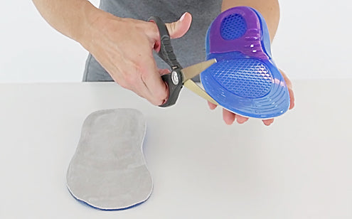 Trimming full length gel insoles using scissors