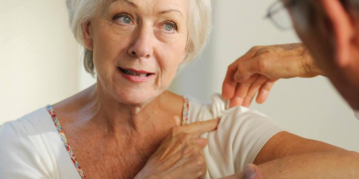 elderly lady with shoulder pain