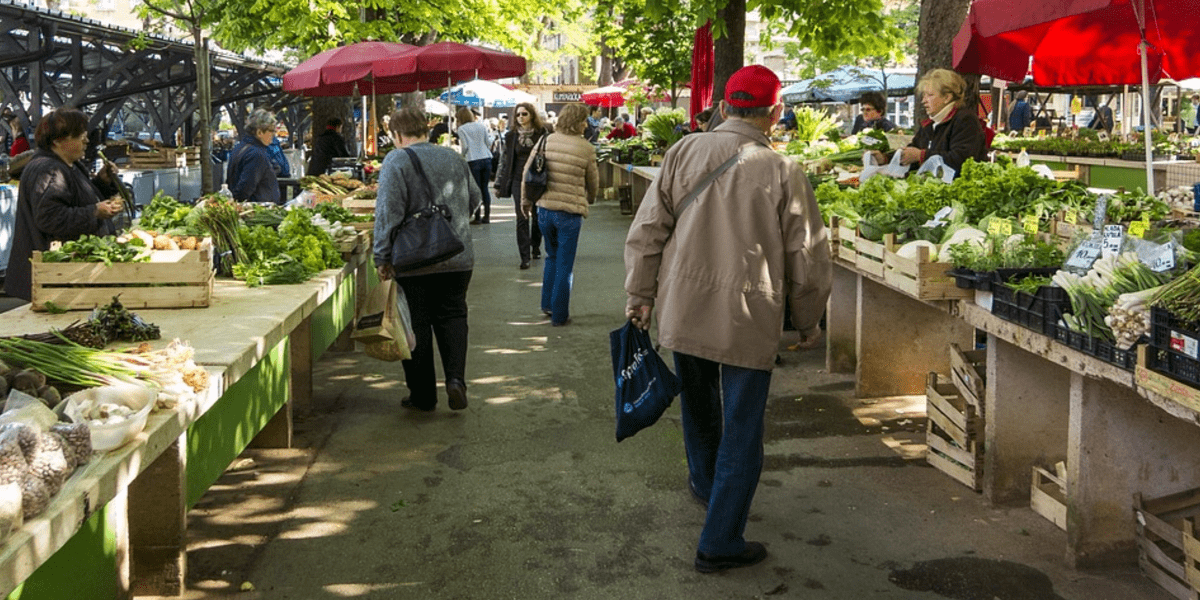 shoppers at farmer's market