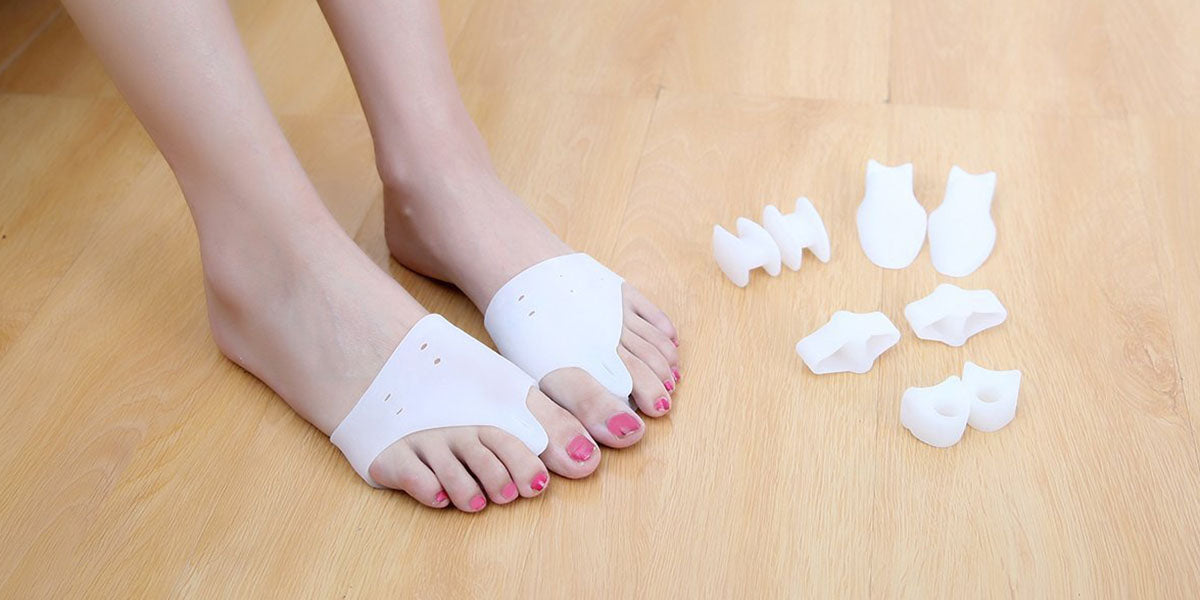 set of toe separators
