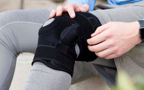 knee brace with lateral support