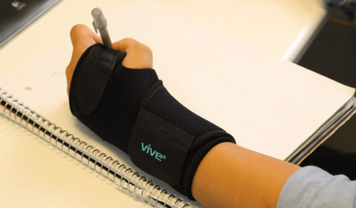 writing with carpal tunnel brace