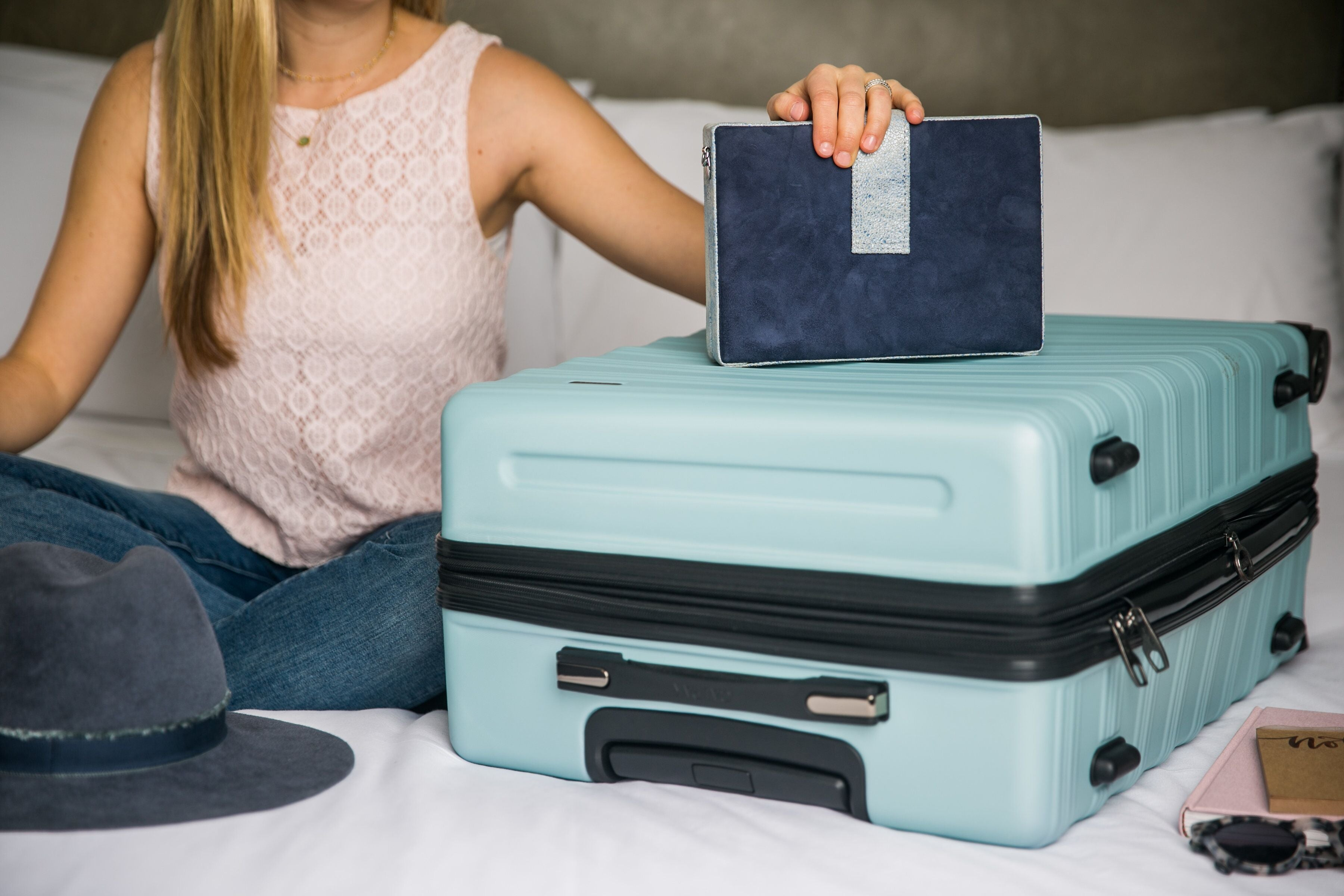 How to choose the right suitcase