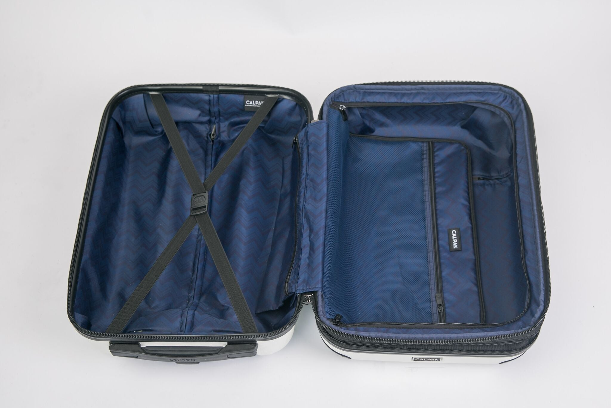 4c8974f35caa9 The Pros and Cons of Using a Travel Luggage Organizer – EzPacking, Inc
