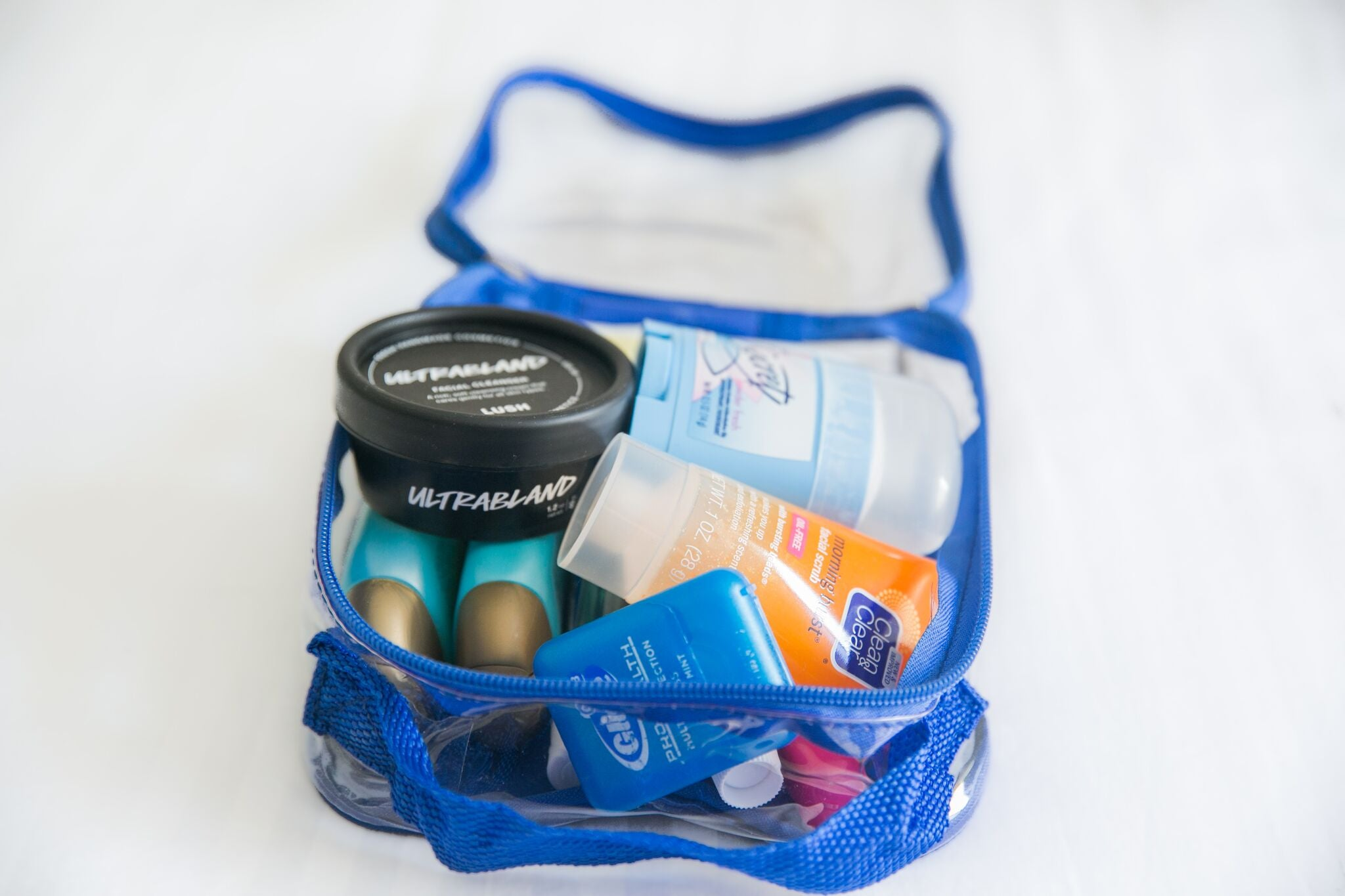 How to pack toiletries in packing cube