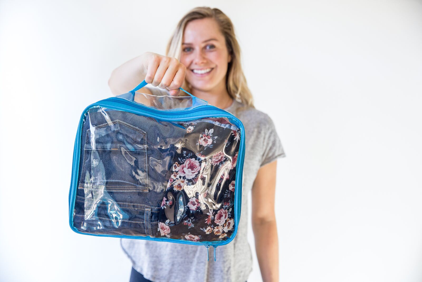 Using packing cells for suitcases by individual