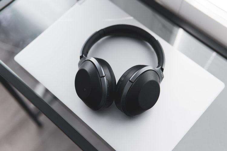 Noise-cancelling headphones for travel