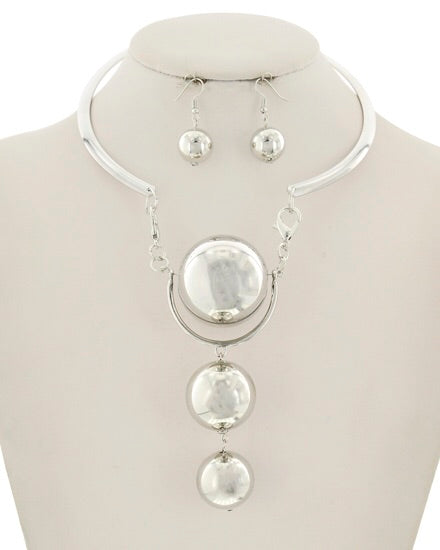 Silver Tone Choker Pearl Necklace Set