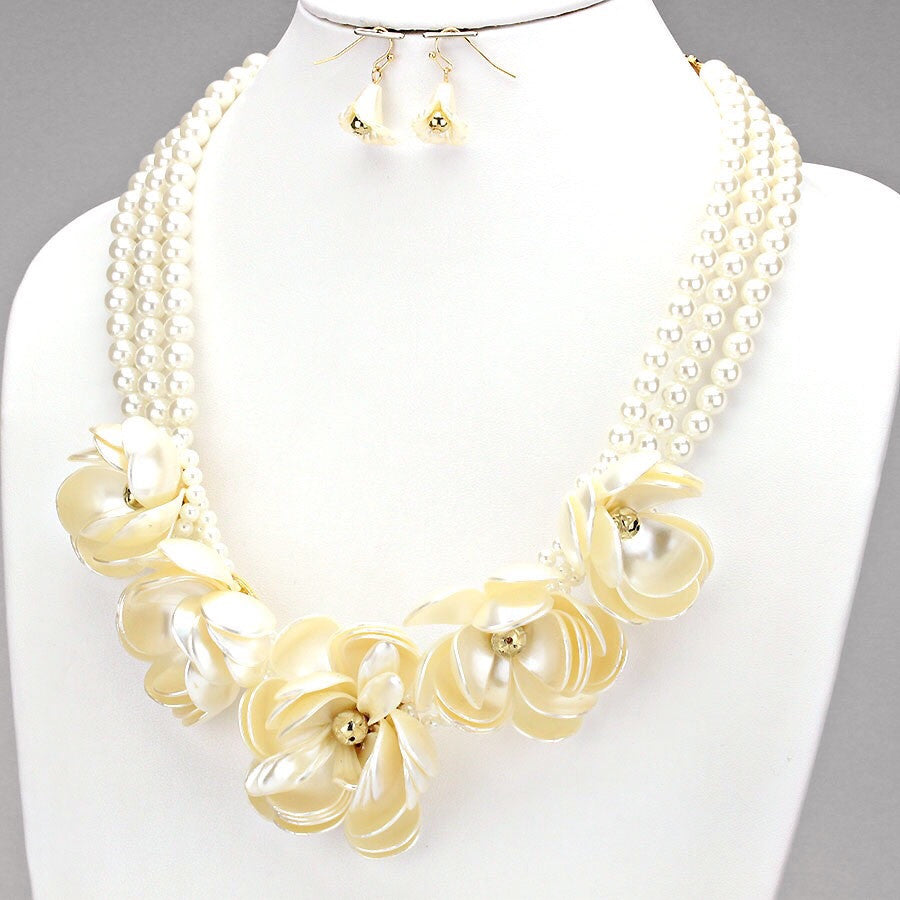 Pearl Flower Necklace Set