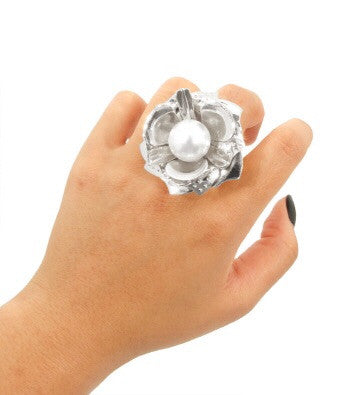Pearl Stretch Flower Ring
