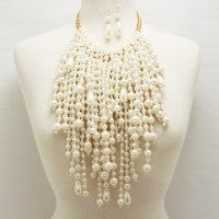 Stunning Pearl Necklace Set
