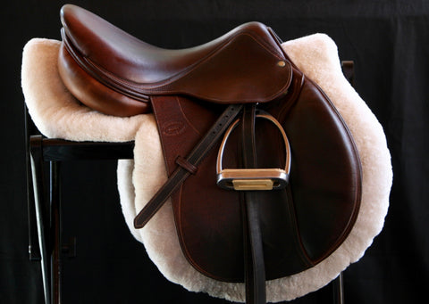 "2004 FULL BUFFALO Devoucoux 16.5"" 3 Flap 4.5"" Tree + Leathers and Irons"