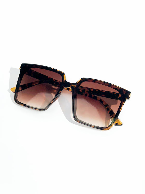DRAMA ON THE RUN SUNGLASSES