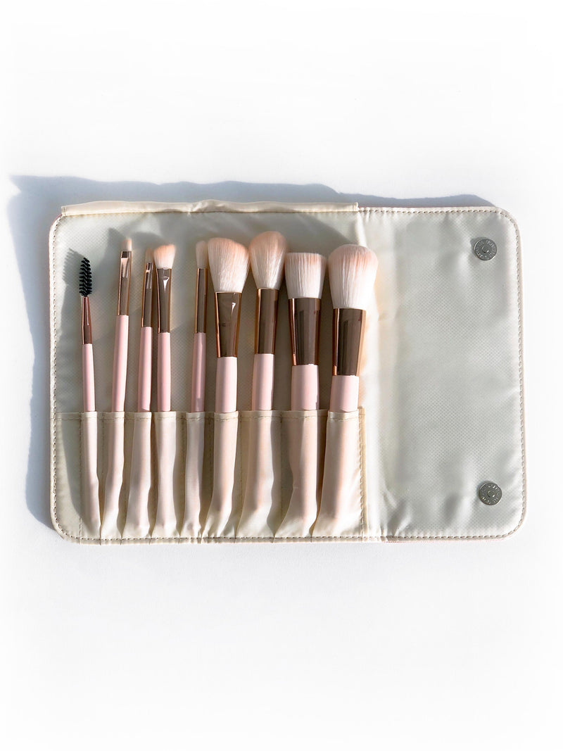 GLAM IT UP 10-PIECE MAKEUP BRUSH SET