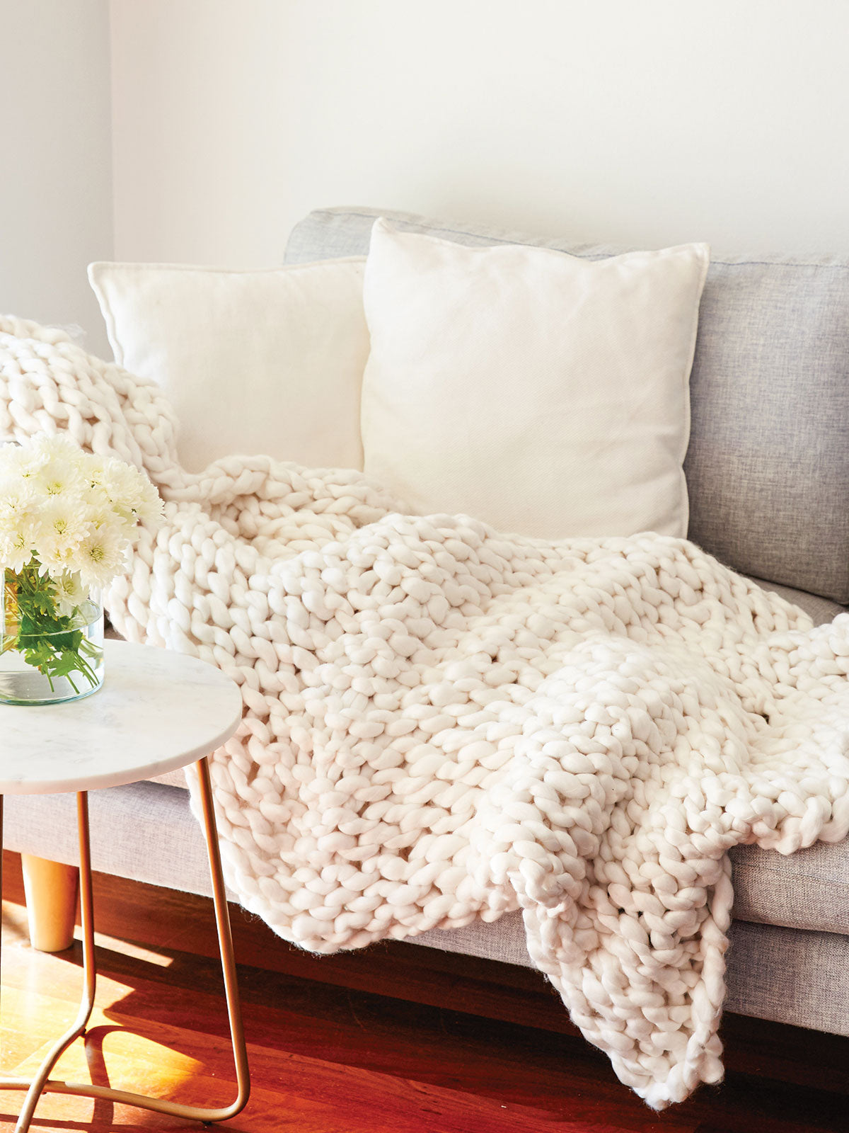 COSY UP THROW - CREAM