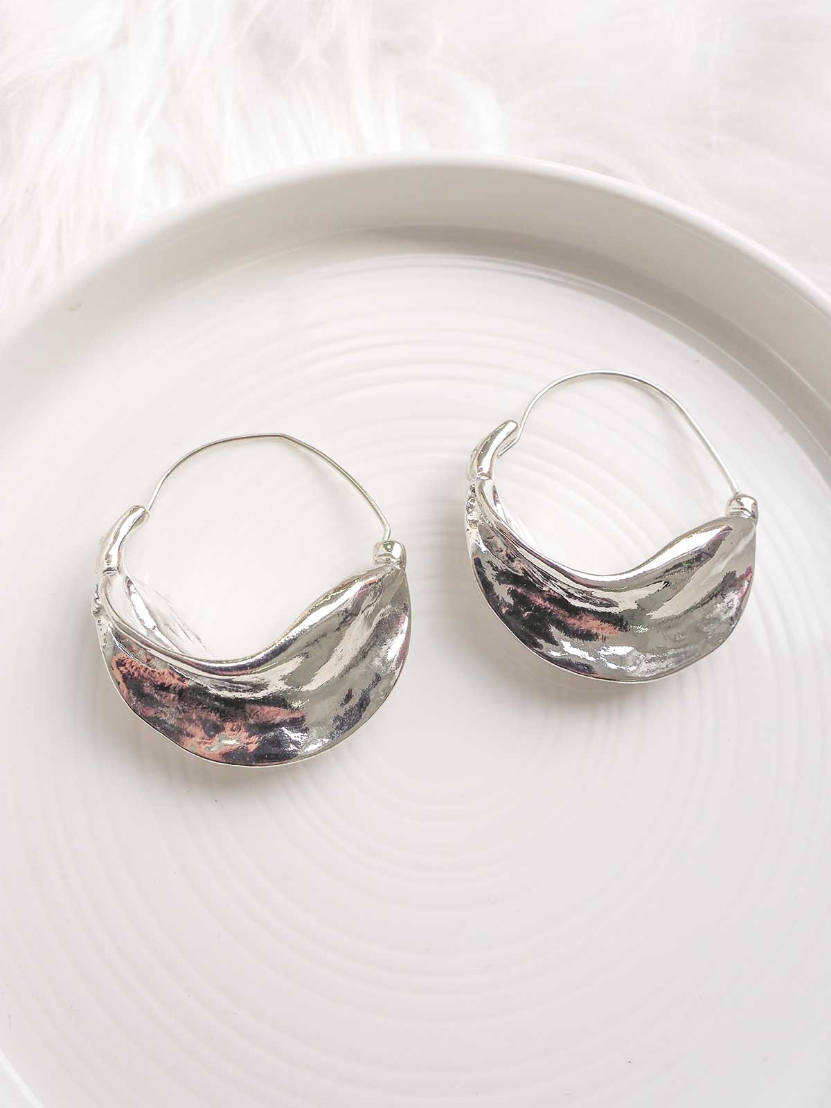 NIGHTS IN NEW YORK EARRINGS - SILVER