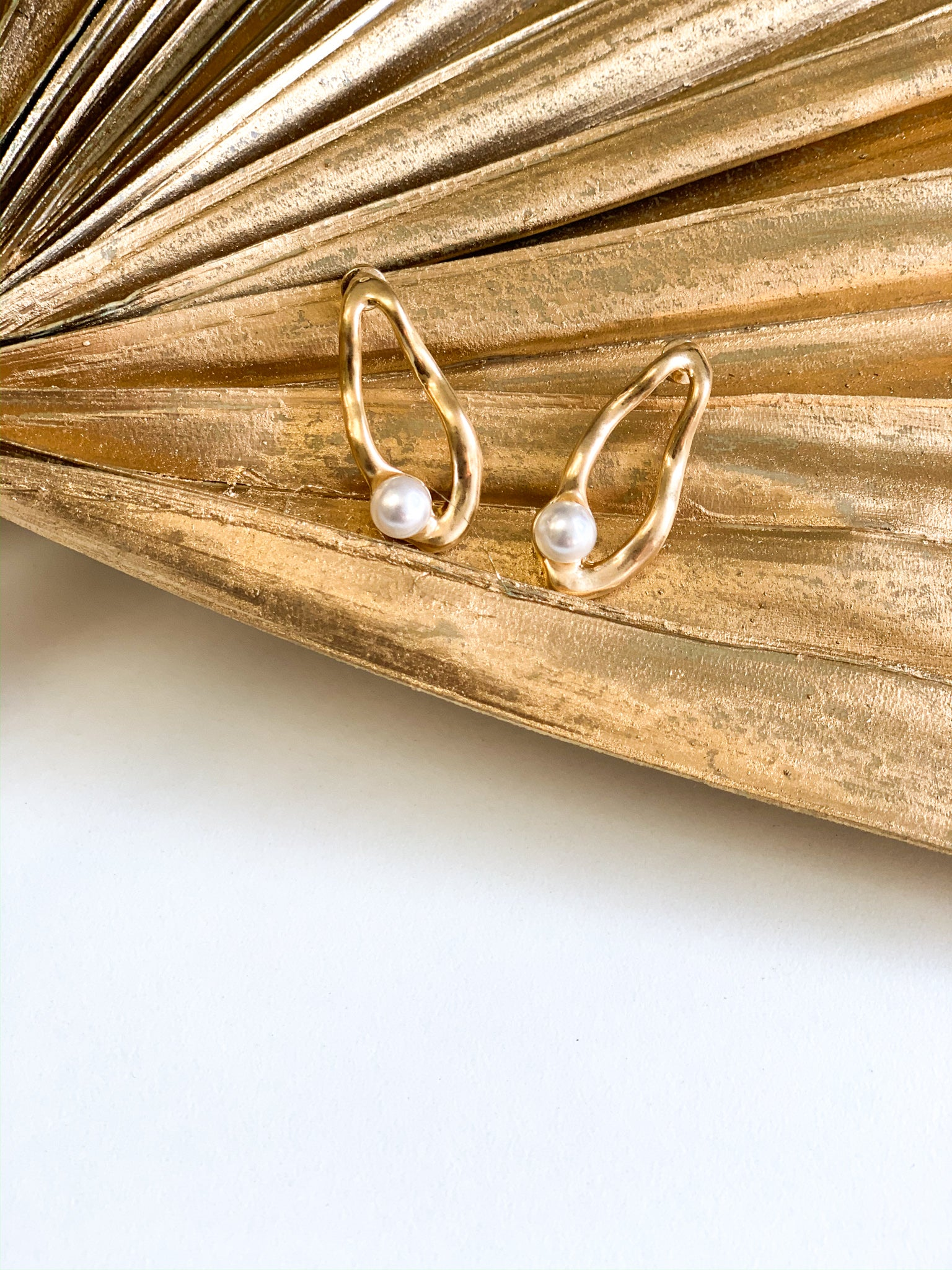 PEARL-FECTION GOLD EARRING