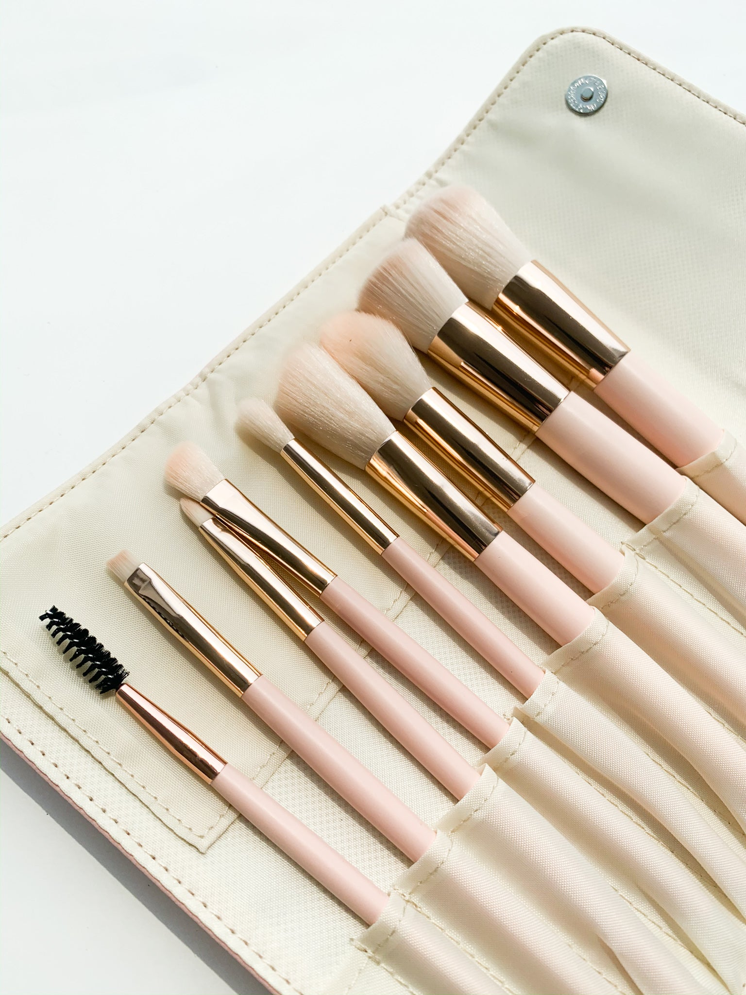 GLAM IT UP 10 PIECE MAKE-UP BRUSH SET