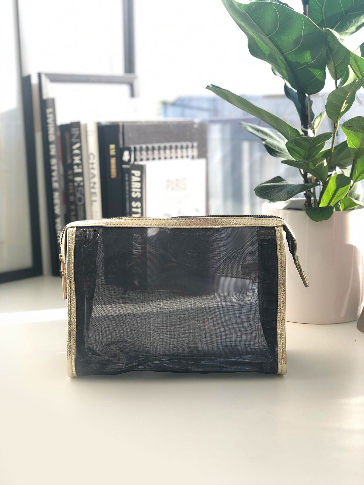 WEEKENDS IN ROME MESH BAG