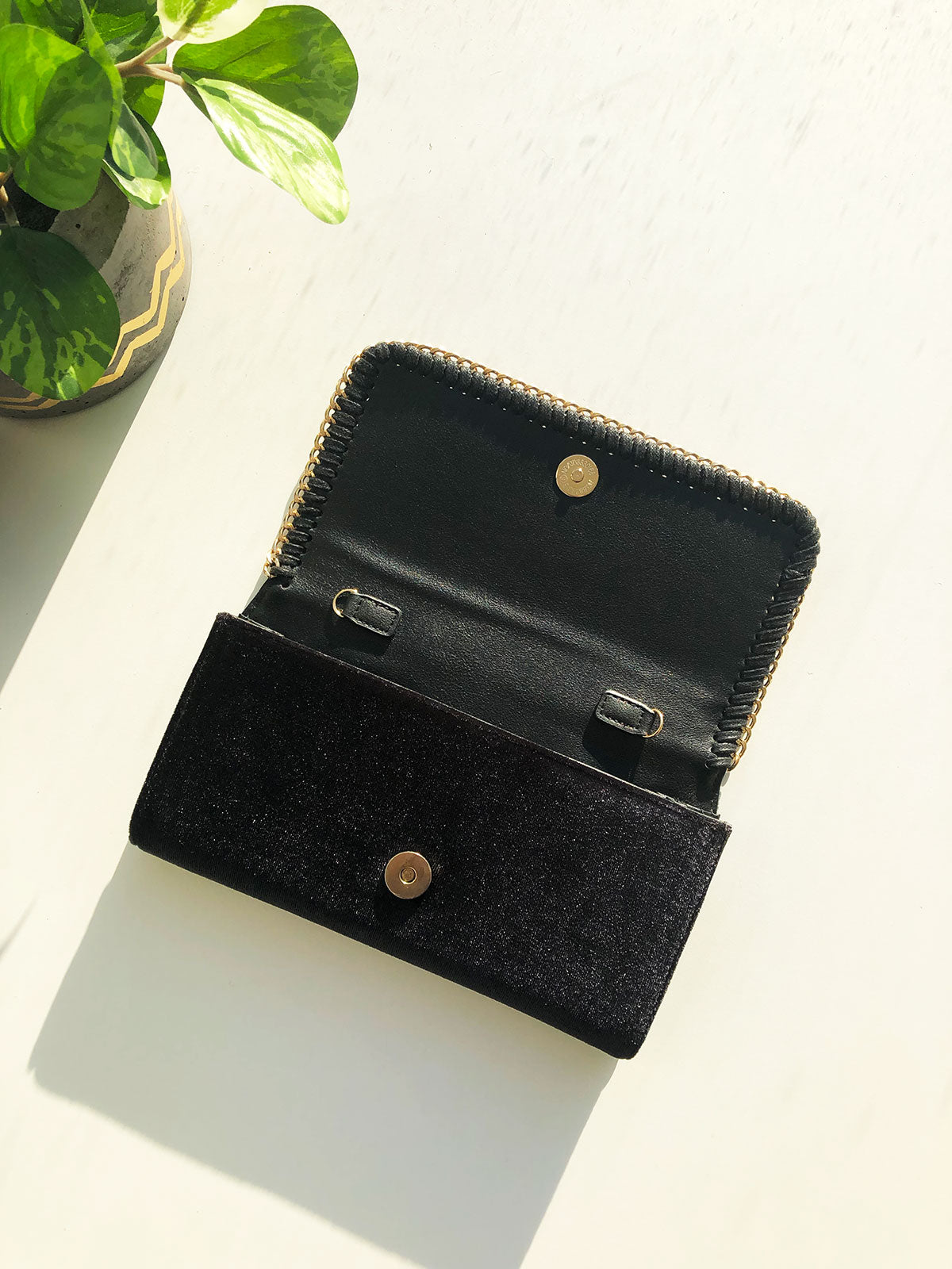 SWEET LOVE BLACK VELVET CLUTCH