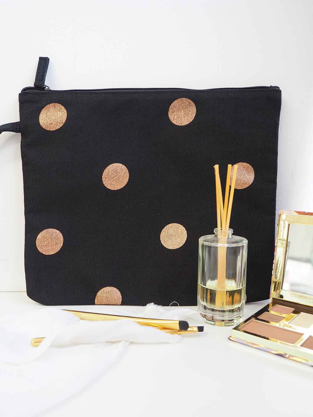 SPOT OF GOLD MAKEUP BAG