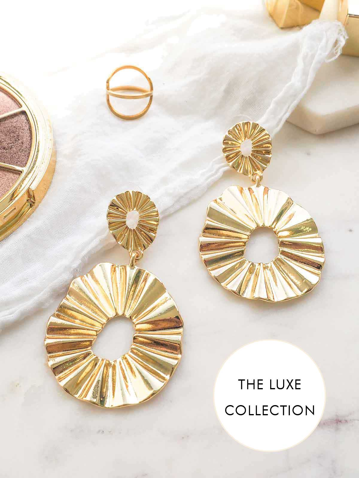 LOVE FORMATION GOLD STATEMENT EARRINGS