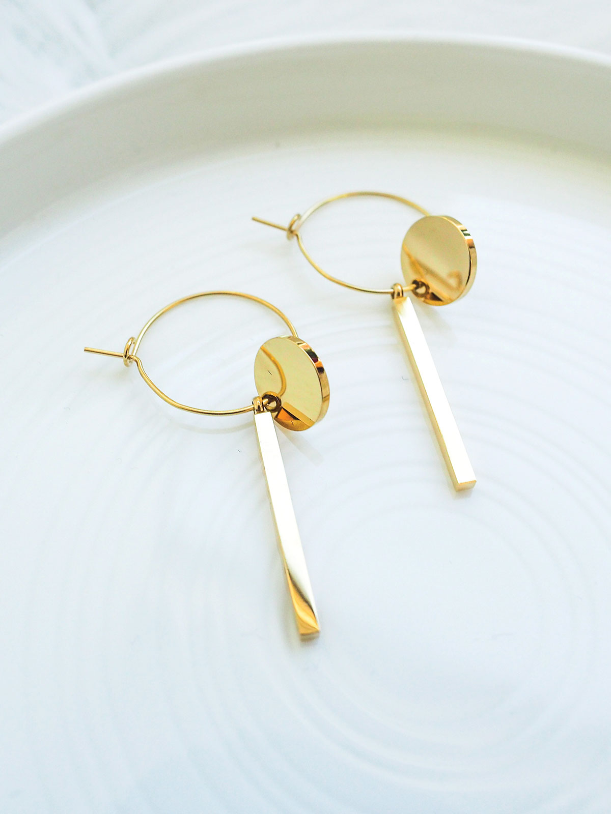 FULL MOON GLOW GOLD EARRINGS