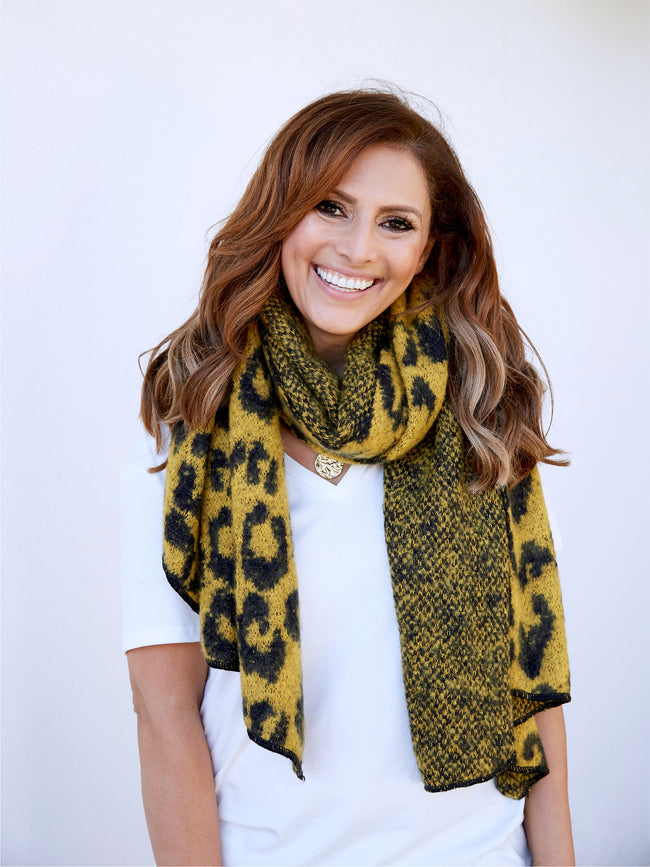 LET'S GET COSY LEOPARD SCARF