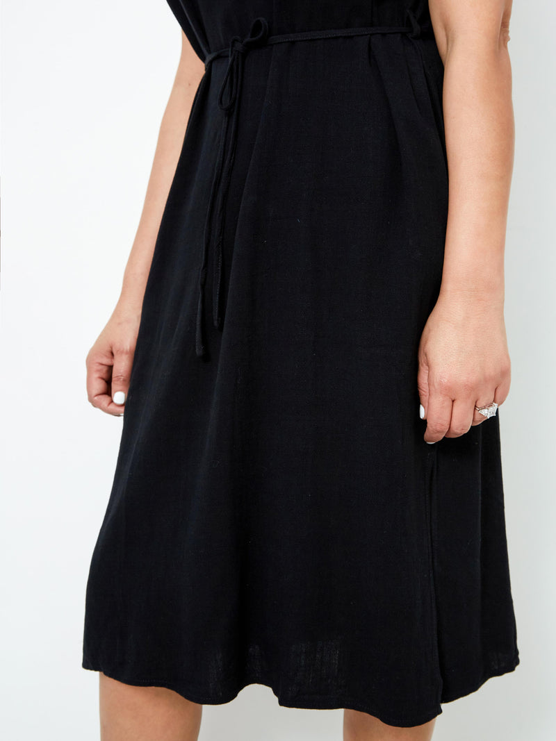 NEW ROMANTICS BLACK DRESS