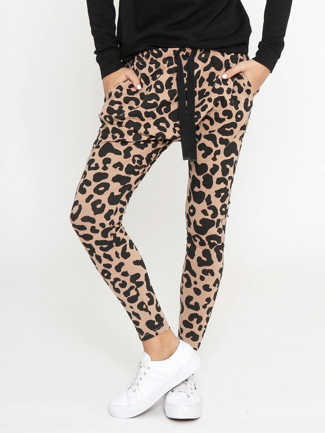 PLAYING IT COOL JOGGER IN LEOPARD