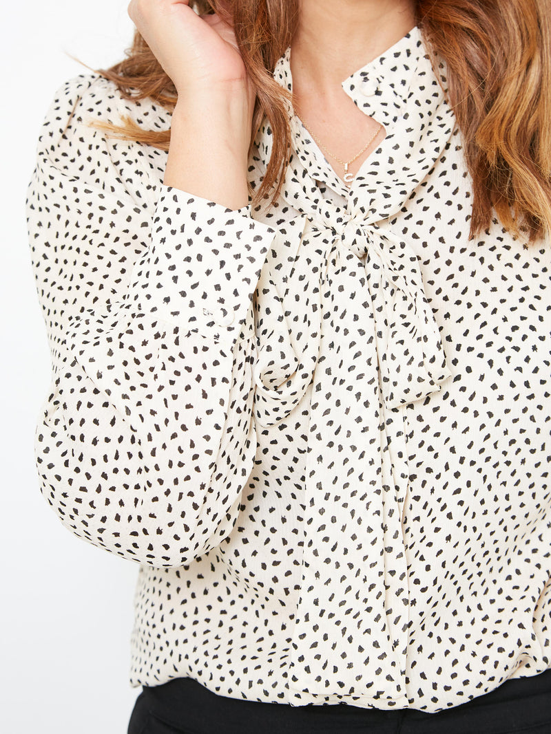 REFLECTIONS OF LOVE CREAM BLOUSE
