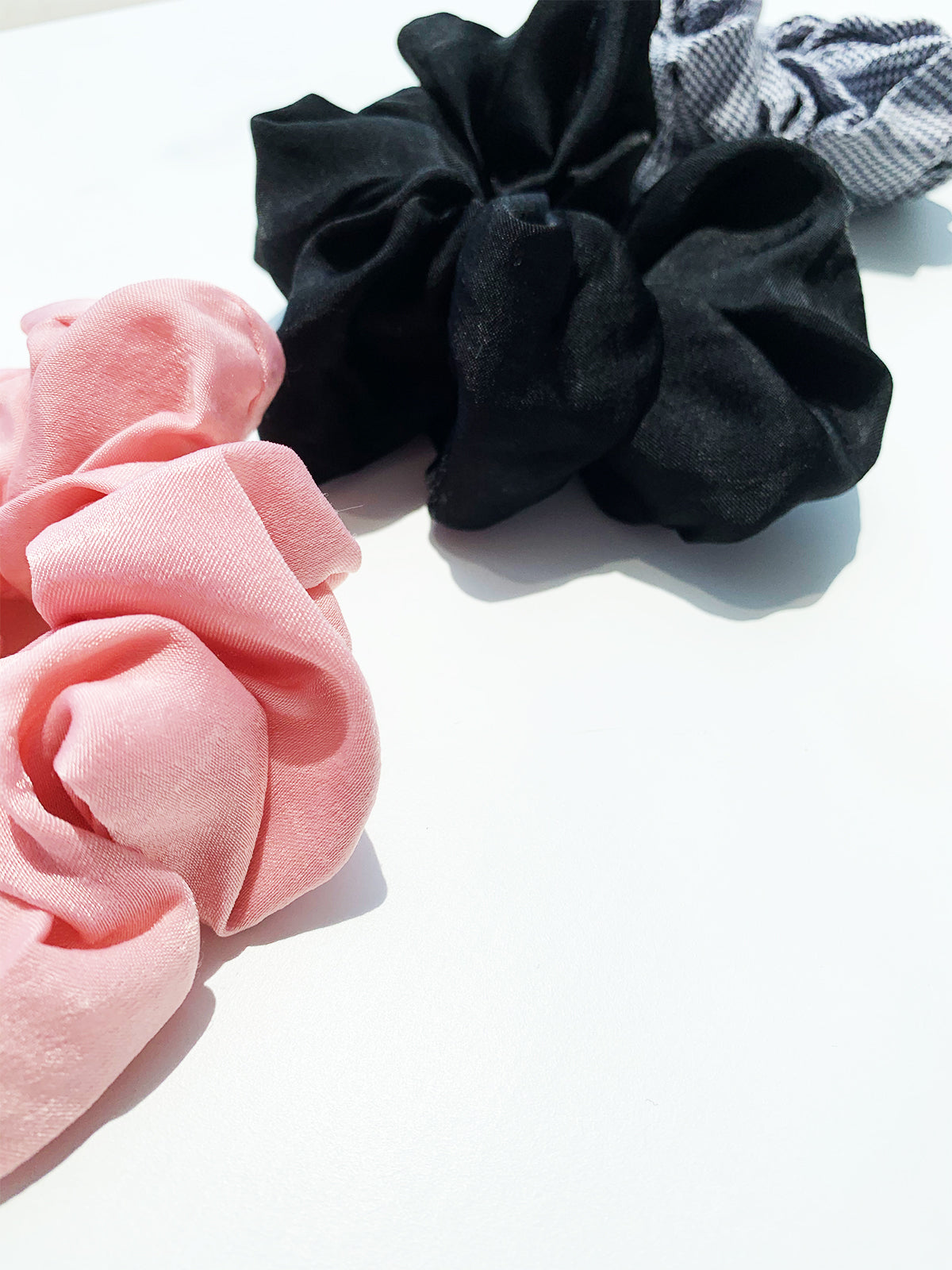 HAIR KISSES BLUSH PINK SCRUNCHIE