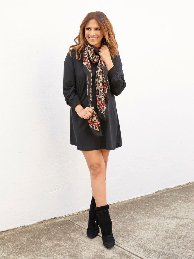 THE EVERYDAY COSY LEOPARD SCARF